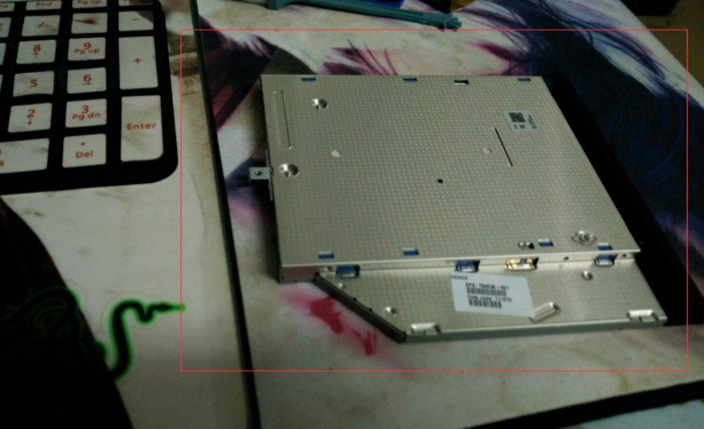 惠普HP15-R239TX升级固态硬盘和内存拆机教程插图(2)