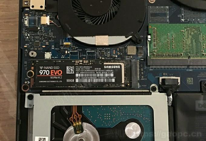 戴尔Dell XPS15 9570拆机-M.2 PCIE插槽