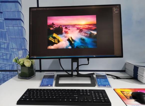 飞利浦将推 4K Mini LED 显示器:100% Adobe RGB 色域,HDR1400,双雷电 4