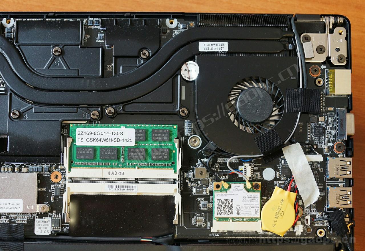 技嘉P34W内存插槽