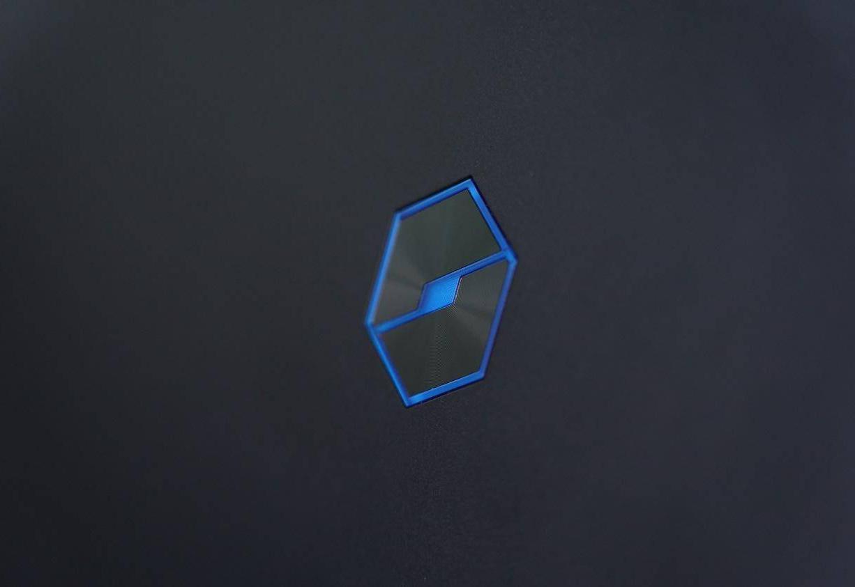 机械革命蛟龙 Logo特写