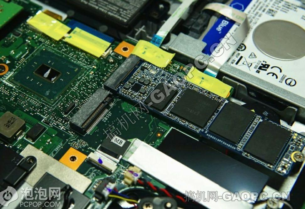 机械师 F117-S拆机-M.2固态硬盘特写