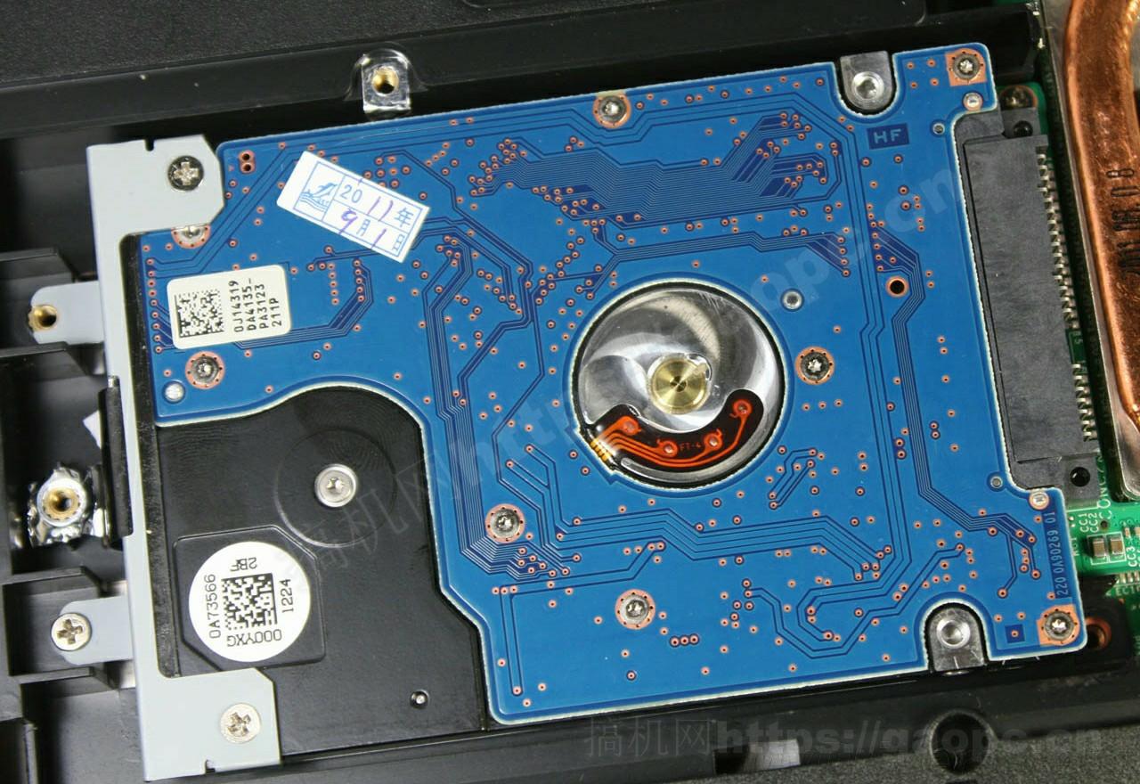 镭波 F760-P拆机-SATA机械硬盘特写