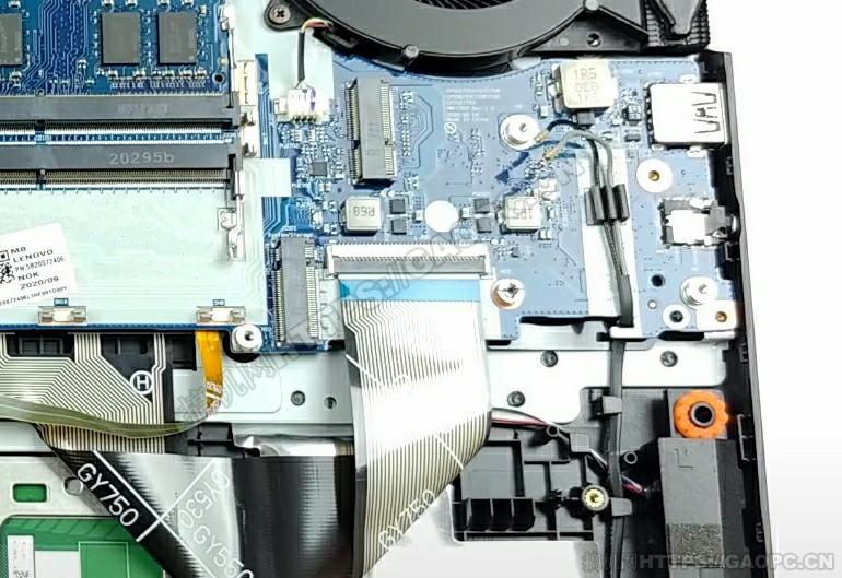 联想legion 5i 17 M.2硬盘接口