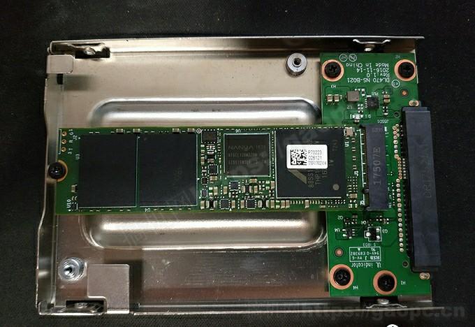 ThinkPad T460P拆机-固态硬盘特写