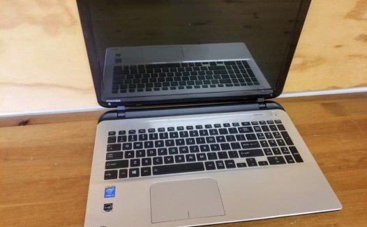 笔记本拆机-东芝Satellite L55 L55D L50 L50D手动拆电脑教程
